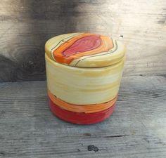 Super sch ne get pferte tassen auf dawanda ton keramik keramik tassen und sch ne hintern - Gartenkeramik topfern ...