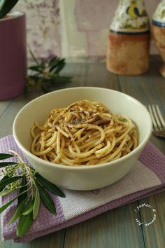 Spaghetti in salsa di acciughe | I pasticci di mamma Alex