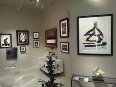 Una vera e propria deliziosa mostra informale in bianco e nero con lavori di Dubuffet, Hartung, Soulages, Arp, Motherwell nello stand della Galerie Berès di Parigi