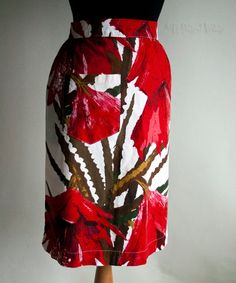 Vintage 1950s/60s Red Poppies Design Housewife Baking Apron by UpStagedVintage on Etsy