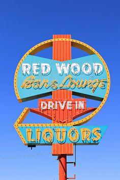 Red Wood Bar & Lounge by Vintage Roadtrip, via Flickr
