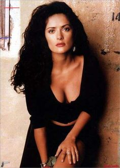 Salma Hayek Pictures, facts, Info 130 photos - oniemaruYou can find Salma hayek and more on our website. Salma Hayek Young, Salma Hayek Body, Salma Hayek Desperado, Salma Hayek Pictures, Selma Hayek, Sexy Women, Belle Photo, Most Beautiful Women, Beautiful Actresses