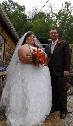 Healthy Love: Couple Has Decided to Turn Their Life Around | TooCool2BeTrue Weight Loss For Women, Weight Loss Goals, Best Weight Loss, Weight Loss Journey, Boho Wedding Dress, Wedding Dresses, Looks Plus Size, Weight Loss Inspiration, Plus Size Wedding