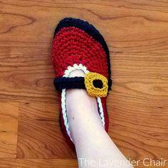Claus' Ballet Slippers - free crochet pattern at The Lavender Chair Crochet Slippers, Crochet Yarn, Free Crochet, The Lavender Chair, Holiday Crochet, Crochet Winter, Slipper Socks, Men's Slippers, Easy Crochet Patterns