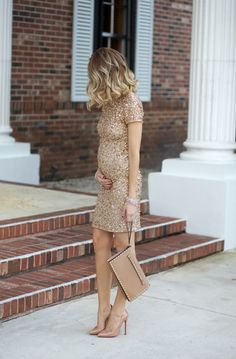 Luxury maternity style #maternitystyle #pregnancy #momstyle mama style, fashion, pregnancy look. Visit www.circu.net: