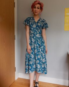 My #sewtogetherforsummer wrap dress is complete! I have just posted a video all about it (link in bio)Pattern: @sewoveritlondon Eve dress Fabric: @sewmesunshine.uk #sewingsunshine #soishowoff @rocco.sienna @sewsarahsmith @sewing_in_spain
