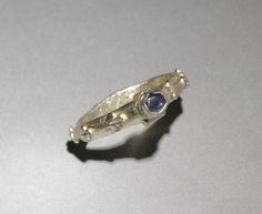 Ring, gilder silver, sapphire, England, 14th century