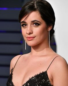 BEVERLY HILLS, CA - FEBRUARY Camila Cabello attends the 2019 Vanity Fair Oscar Party hosted by Radhika Jones at Wallis Annenberg Center for the Performing Arts on February 2019 in Beverly Hills, California. (Photo by Dia Dipasupil/Getty Images) Vanessa Marano, Beautiful Female Celebrities, Beautiful Women, Soirée Des Oscars, Beverly Hills, Cabello Hair, Vanity Fair Oscar Party, Host A Party, Hollywood Celebrities