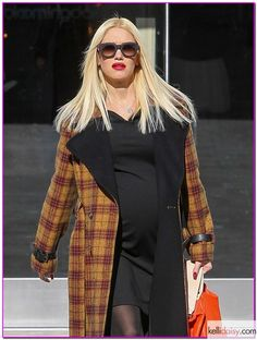 Gwen Stefani's Maternity Style, by @kelly frazier Catana on #savvystories