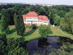 Schloss und Park Seggerde, Sachsen-Anhalt (Herren von Spiegel zu Peckelsheim, Herren von Münchhausen, Herren von Davier).