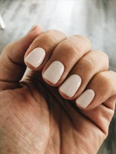 Here's my full guide to neutral nails including neutral nail colors! - Here's my full guide to neutral nails including neutral nail colors! Neutral nails work for a - Ivory Nails, Nude Nails, Acrylic Nails, Coffin Nails, Glitter Nails, Marble Nails, Ongles Beiges, Neutral Nail Color, Nude Color