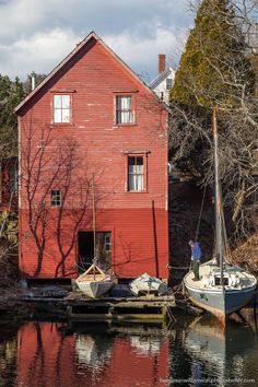 Re House, Georgetown, Maine. https://www.facebook.com/BenjaminMWilliamsonPhotography/photos/a.109741749143634.11473.106845419433267/719516171499519/?type=1