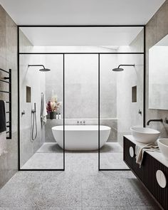 Modern Master Bathroom, Modern Bathroom Design, Bathroom Interior Design, Small Bathroom, Wet Room Bathroom, Bathroom Showers, Bathroom Designs, Bathtub In Shower, Bathroom Black