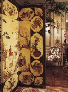 In the dining room is very rare, late 17th-century Chinese screen. On the back wall is one of two pairs of fine Louis XV appliques.