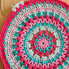 Waiting for Spring – Bymami Cute Crochet, Crochet Crafts, Crochet Doilies, Crochet Yarn, Crochet Rug Patterns, Doily Patterns, Knitting Patterns, Crochet Mandela, Herringbone Stitch