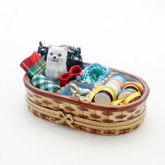 ORIGINAL LIMOGES TRINKET BOX PILL BOX CAT GATTO NEL CESTINO LAVORO HAND PAINTED | eBay