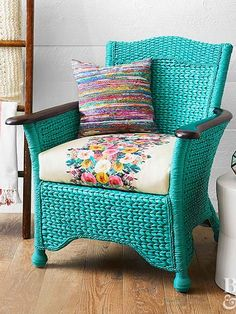New Wicker Patio Furniture Makeover Cushions Ideas Decor, Wicker Chair Makeover, Vintage Furniture Makeover, Patio Furniture Cushions, Diy Patio Furniture, Wicker Patio Furniture, Wicker Furniture, Furniture Makeover, Patio Furniture Makeover