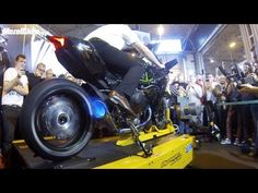 Watch the Monstrous 300-hp Kawasaki H2R Spit Flames on The Dyno - Yahoo Autos