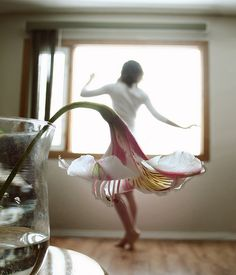 I want to try this, maybe with a calla lily