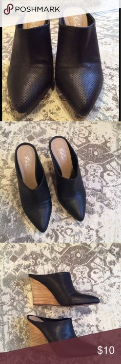 Black wedged mules Very comfortable mules, they look so cool with jeans rebels Shoes Mules & Clogs