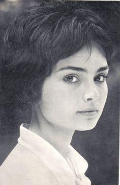 Ingrid Bergman, Iconic Women, Hungary, Movie Stars, Famous People, Actors & Actresses, Vintage Ladies, Beautiful Pictures, 1