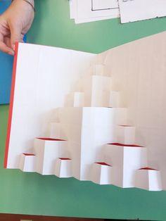 Biglietto pop-up Frattali Triangolo di Sierpinski   Il puzzle delle idee Toothbrush Holder, Pop Up, Triangle, Puzzle, Puzzles, Quizes