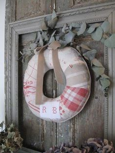 Tutorial for Christmas Wreath - French Linen