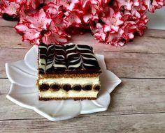 Rurociąg- pyszne ciasto bez pieczenia! Łatwe w przygotowaniu i bardzo smaczne, kremowe ciasto z rurkami, które nie wymaga pieczenia. Do jego wykonania użyłam blaszki o wymiarach 24×24 cm. Ciasto zawsze należy zrobić dzień wcześniej przed podaniem, ponieważ wówczas rurki zmiękną i nie ma żadnego problemu z krojeniem. Polecam!   Składniki: ok 25 sztuk kakaowych …