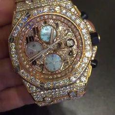 audemars piguet watches for men cheap Expensive Watches, Expensive Jewelry, Audemars Piguet, Watch Necklace, Bracelet Watch, Cool Watches, Rolex Watches, Bling Bling, Der Gentleman