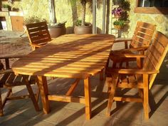 """Conjunto Terraza """"CRISTINA"""" realizado con madera de palets usados , comodas , lijeras y robustas , color """"teka"""""""