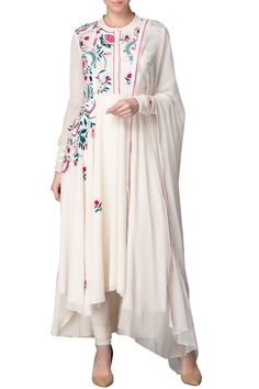 AM:PM Indian designer online kurta sets Pakistani Dress Design, Pakistani Dresses, Indian Dresses, Indian Outfits, Muslim Women Fashion, Indian Fashion, Indian Attire, Indian Wear, Indian Designer Outfits