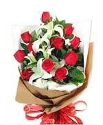 Red Roses Hand Bouquet LUV031