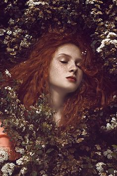 fall nejla hadzic by nina masic photograph femme fleur rousse redhead portrait flowers woman Fantasy Photography, Portrait Photography, Nature Photography, Photography Flowers, Ethereal Photography, Dramatic Photography, Fashion Photography, Modeling Photography, Dream Photography