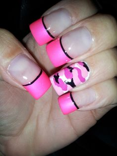 Would totally do the camo. And have the other nails either black or pink Pink Camo Nails, Camo Nail Art, Camouflage Nails, Silver Nails, Camo Nail Designs, Diamond Nail Designs, Nail Art Designs, Nails Design, Paw Print Nails