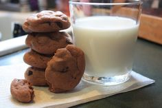 Mostly Homemade Mom: Chocolate Mint Chip Pudding Cookies