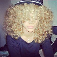 My blonde Afro! Love Hair, Big Hair, Gorgeous Hair, Amazing Hair, Blonde Curly Hair, Blonde Curls, Curly Girl, Blonde Afro, Weave Hairstyles