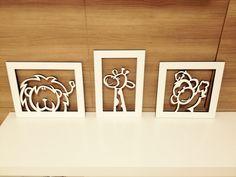 Kit composto por 3 quadros em MDF branco (corte a laser) <br>Girafa (30x20) Macaco (25x25) Leão (25x30)