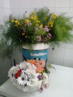Flores e herbas aromáticas para facer os maios.