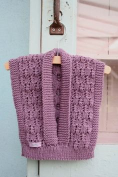 Pleun baby vest by Bieq