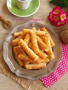 Hungarian Cuisine, Hungarian Recipes, Hungarian Food, Speed Foods, Savory Pastry, Baking And Pastry, Onion Rings, Winter Food, Rum