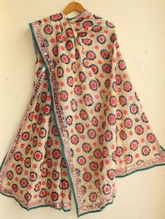 Red, yellow and black fulkari embroidery on White chanderi duppata online Indian Dresses, Indian Outfits, Embroidery On Clothes, Hand Embroidery, Phulkari Embroidery, Phulkari Suit, White Kurta, Indian Designer Wear, Suit Fashion