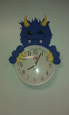 Monster clock >:) 2nd Grade Classroom, New Classroom, Classroom Themes, Classroom Activities, Monster Theme Classroom, Monster University Party, Monster Decorations, Fair Theme, Monster Coloring Pages