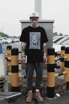 Korean Fashion, Mens Fashion, Fashion Outfits, Fashion Trends, Runway Fashion, Men Street, Street Wear, Look Retro, Mens Trends
