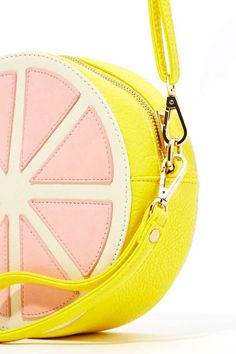 Grapefruit Shaped - The Nasty Gal's grapefruit shaped Sweet Grapefruit bag is bright and juicy for Spring The sweet faux leather pink and yellow grapefruit. Unique Handbags, Unique Purses, Cute Purses, Purses And Handbags, Spring Purses, Kawaii Bags, Cute Bags, Fashion Bags, Bag Accessories