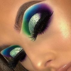 Kiss Looks So Natural Lashes Shy Pack) - Cute Makeup Guide Dramatic Eye Makeup, Colorful Eye Makeup, Beautiful Eye Makeup, Natural Eye Makeup, Flawless Makeup, Cute Makeup, Glam Makeup, Makeup Inspo, Makeup Ideas