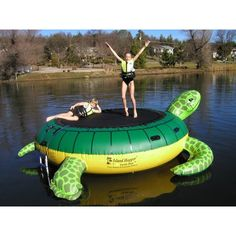 Island Hopper Turtle Hop Inflatable Water Trampoline is an inflatable water trampoline that will give you hours of water trampoline fun. This Island Hopper water trampoline is a joy and delight for every dock. Water Trampoline, Trampoline Sale, Trampoline Reviews, Lake Toys, Cool Pool Floats, My Pool, Pool Toys, Kids Swimming, Swimming Games