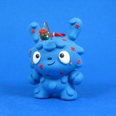"""Jenn and Tony Bot : """"Mistletoe Monster Ornament"""" custom Dunny"""