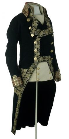 Uniform of General of Division worn by Napoleon at the Battle of Marengo, 1800.