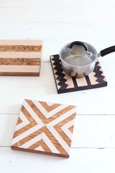 Geometric wood trivets— Easy to make, and great kitchen wall decor too! coasters diy handmade DIY Geometric Wood Trivets - A Beautiful Mess Wooden Crafts, Wooden Diy, Diy And Crafts, Decor Crafts, Diy Mothers Day Gifts, Diy Gifts, Homemade Gifts, Wood Gifts, Cool Diy