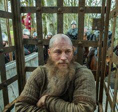 Ragnar encaged
